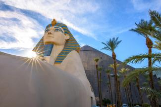 Luxor Casino Hero